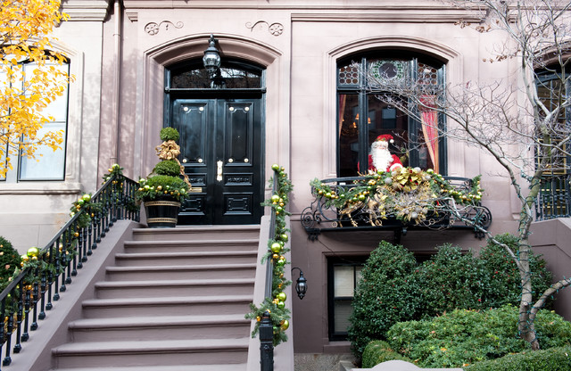 Decorating Ideas > Christmas Holiday Decor  Traditional  Exterior  Other  ~ 213040_Houzz Christmas Decorating Ideas