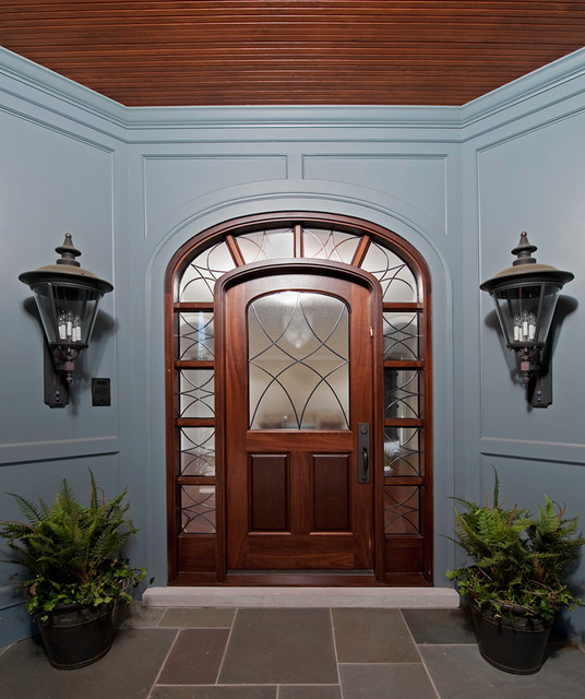 Cincinnati House Exterior traditional-entry