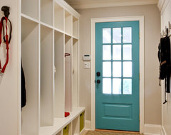 Classic Coastal Colonial Renovation - the Mudroom traditional-entry