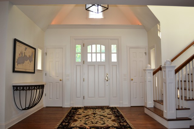 Classic Shingle Style traditional-entry
