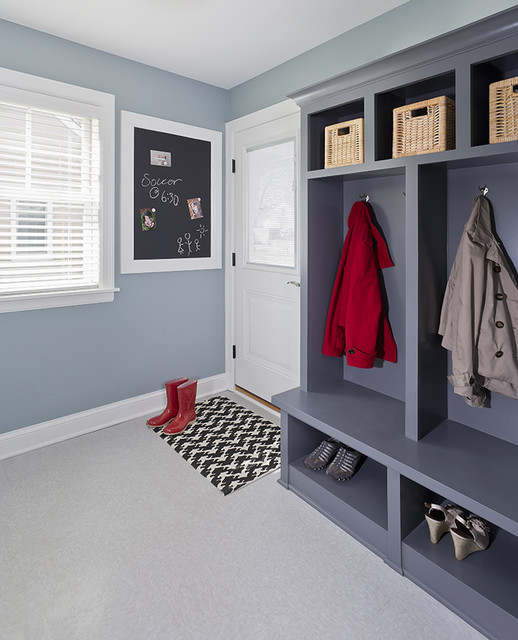 Seattle Kitchen And Mudroom Remodel: Clean Lined Kitchen And Mudroom