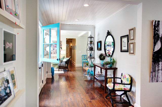 Colorful Cottage transitional-entry