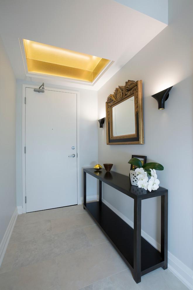 Entryway - contemporary entryway idea in Toronto