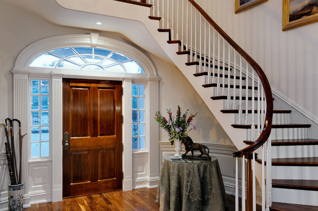 Connecticut Estate traditional-entry