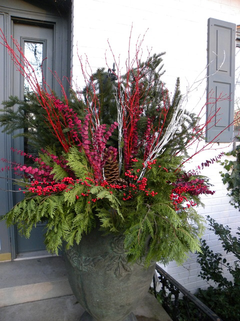 Containers For The Winter Season Traditional Entry Chicago By Smalls Landscaping