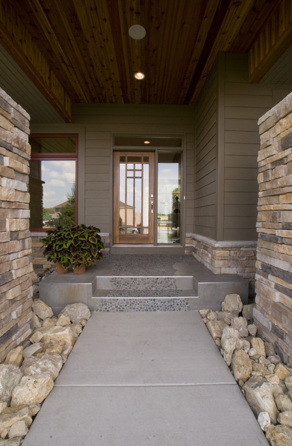 Contem-Prairie contemporary entry