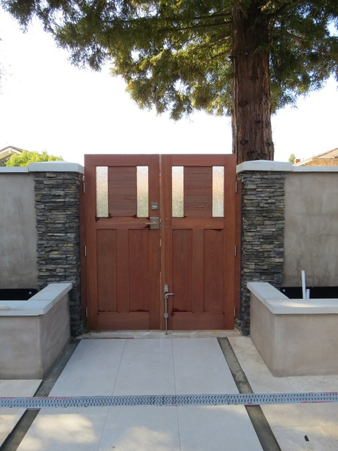 Contemporary Double Wooden Courtyard Gates With Stainless