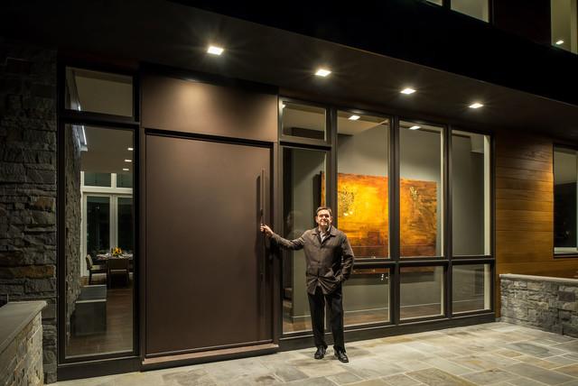 Entryway - contemporary entryway idea in New York