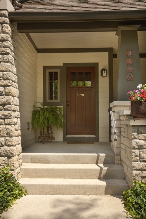 Photo By Andrew Melaragno Browse Craftsman Entryway Ideas