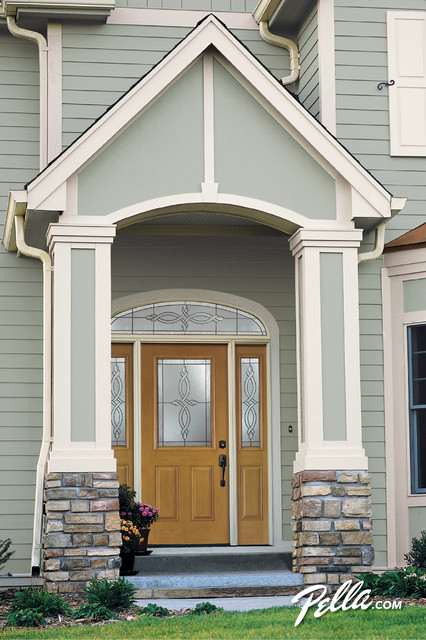 Create a stylish entryway w/Pella® ENERGY STAR®-qualified fiberglass entry doors traditional-entry