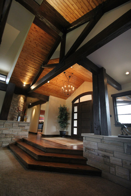 Creekside Residence traditional-entry