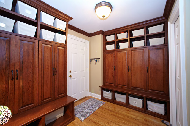 Custom built lockers cubbies in new mudroom for Built in lockers