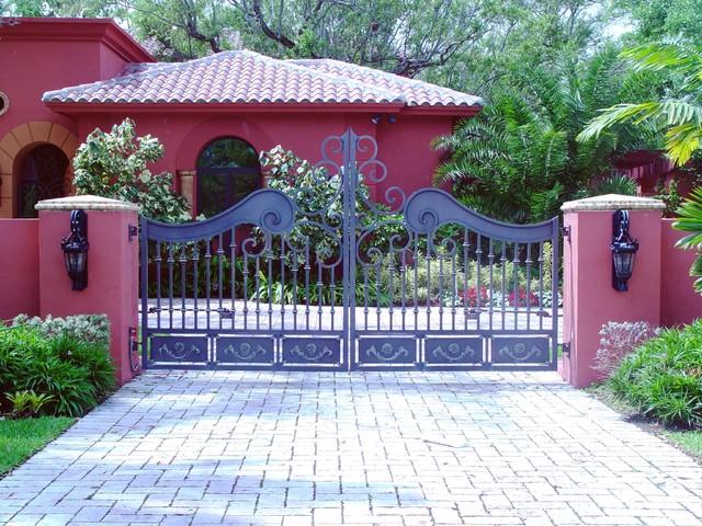 Custom driveway double swing gate mediterranean entry