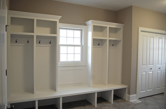 Custom floor plan aps laundry mudroom for Mudroom laundry room floor plans