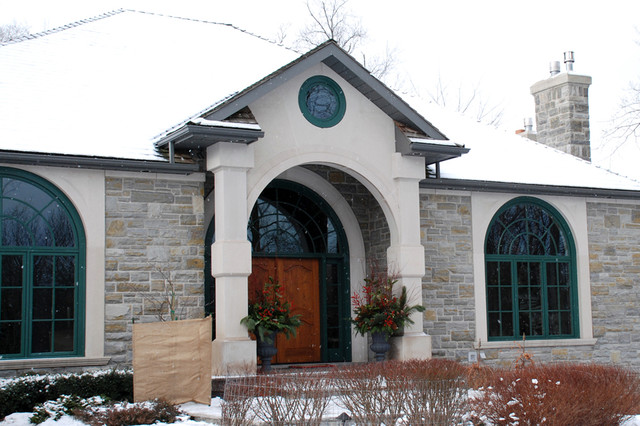 Custom Homes by Ridley traditional-entry