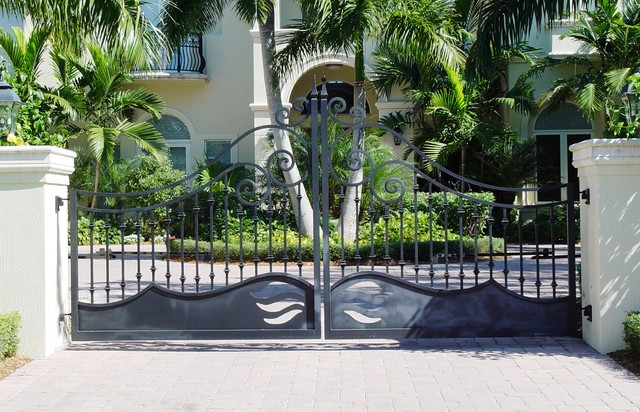 Custom Made Double Swing Gate tropical-entry