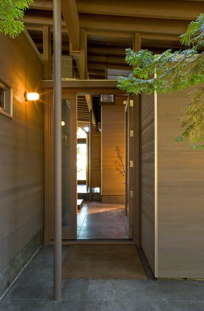 Decatur Retreat contemporary-entry