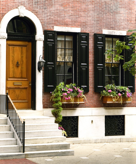 Delancey Place Townhouse traditional-entry