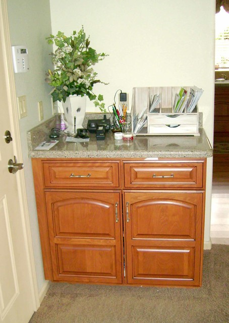 Double Panel Alder - Traditional - Entry - sacramento - by Auburn Custom Kitchens