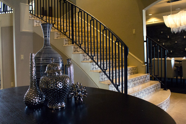 Dramatic Foyer Lighting : Dramatic foyer with staircase transitional entry