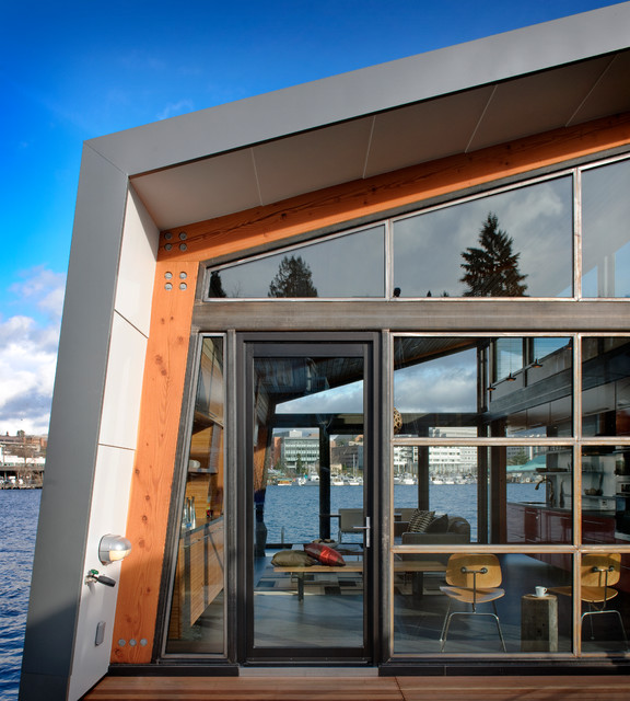 Dyna - Portage Bay contemporary entry