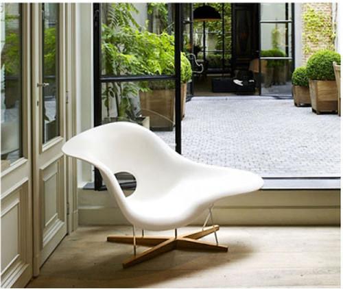 Eames La Chaise Lounge Chair