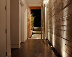 Echo Beach modern-entry