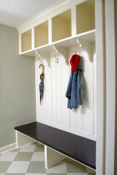 Efficient Mudroom traditional entry