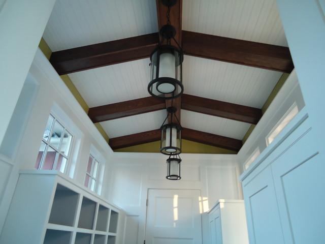Elmhurst Residence modern-entry