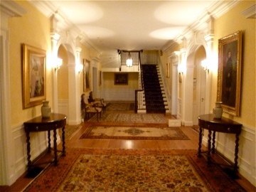 Entrance Hall traditional-entry
