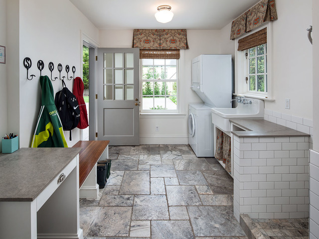 Entry/Mud Room - Traditional - Entry - Portland - by KuDa ...