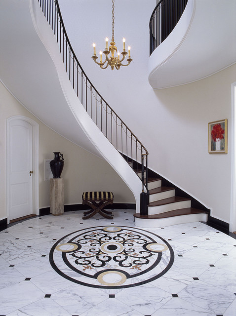 Entry stair hall with marble floor traditional entry for Carrelage 32x32