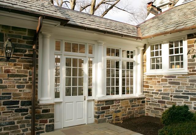 Exterior breezeway for Breezeway house