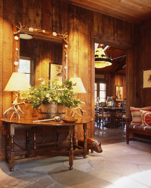 Family Ranch rustic-entry
