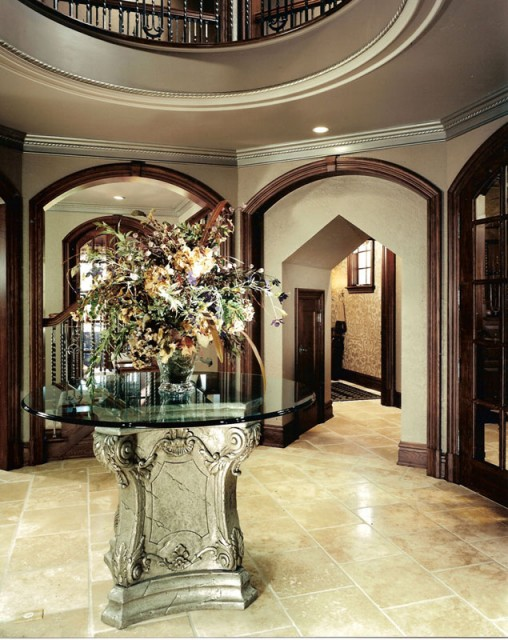 Foyer traditional entry