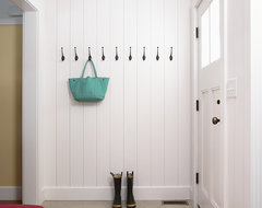 Farmhouse traditional-entry