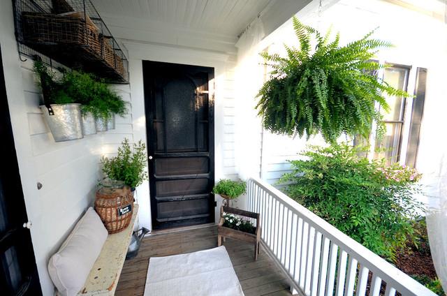 Farmhouse Back Porch and Garden farmhouse-entry
