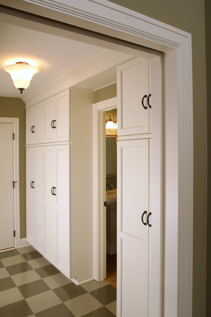 Farmhouse Cottage Mudroom - farmhouse - entry - minneapolis - by