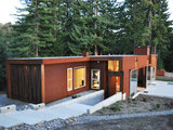 industrial entry Houzz Tour: A Modern Getaway Nestled in the Trees (12 photos)