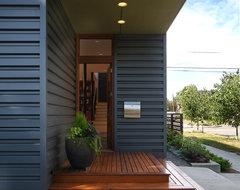 Flip/Flop House(S) modern-entry