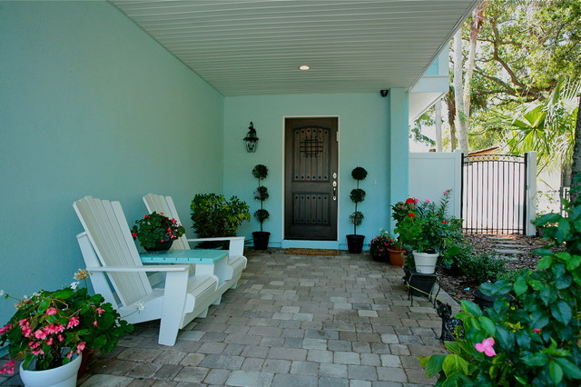 Florida Cottage tropical-entry