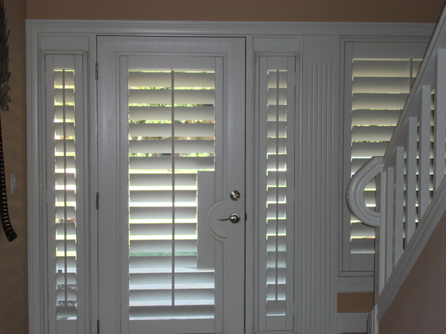 Fly in home traditional entry orlando by bay for Exterior no chain window shade