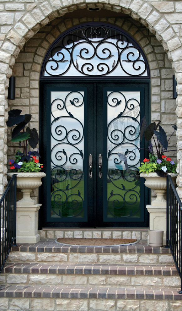 Example of a tuscan entryway design in Tampa
