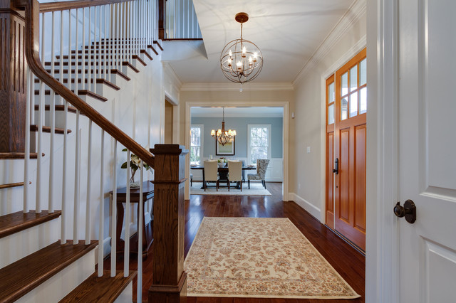 Foyer opening into dining room traditional-entry