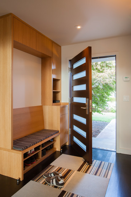 Front Entry - Midcentury - Entry - other metro - by De Mattei Construction