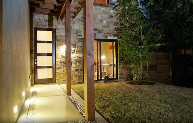 Garner Residence contemporary-entry