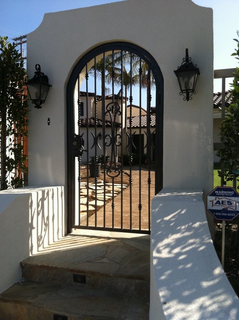 Gates by Skyhook traditional-entry