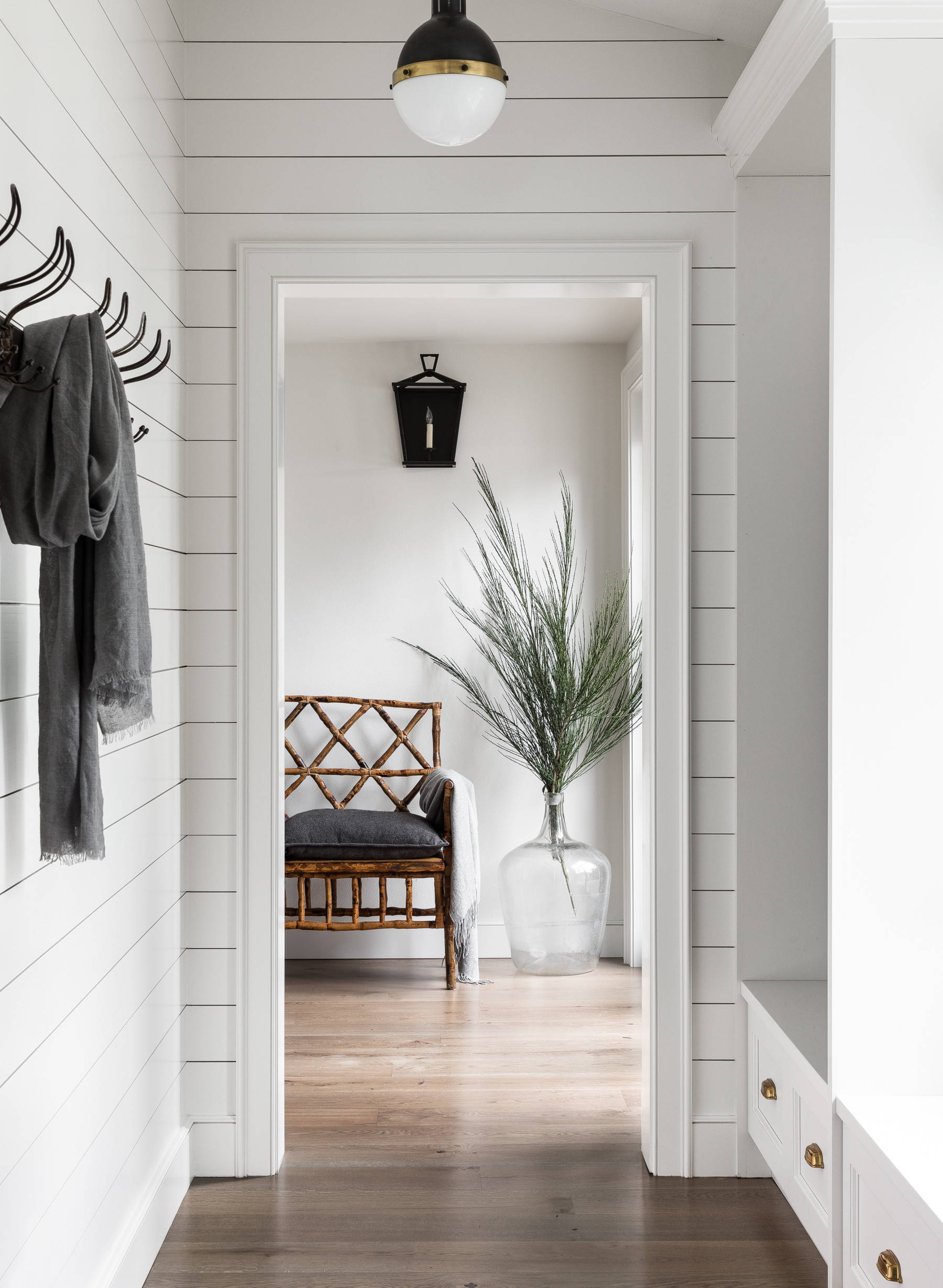 75 Beautiful Farmhouse Mudroom Pictures Ideas February 2021 Houzz
