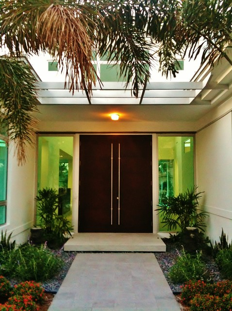Glass houzz contemporary-entry