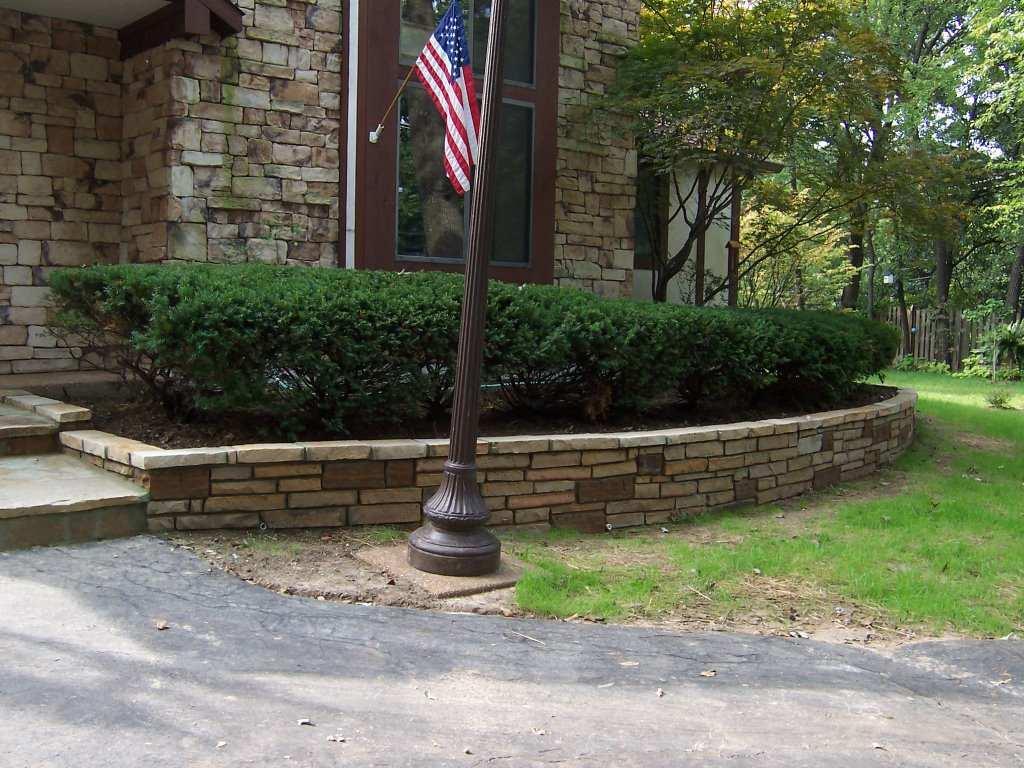 Glendale, Missouri stone masonry wall